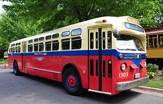 320px-1954_twin_city_rapid_transit_bus_1303_on_display_2011