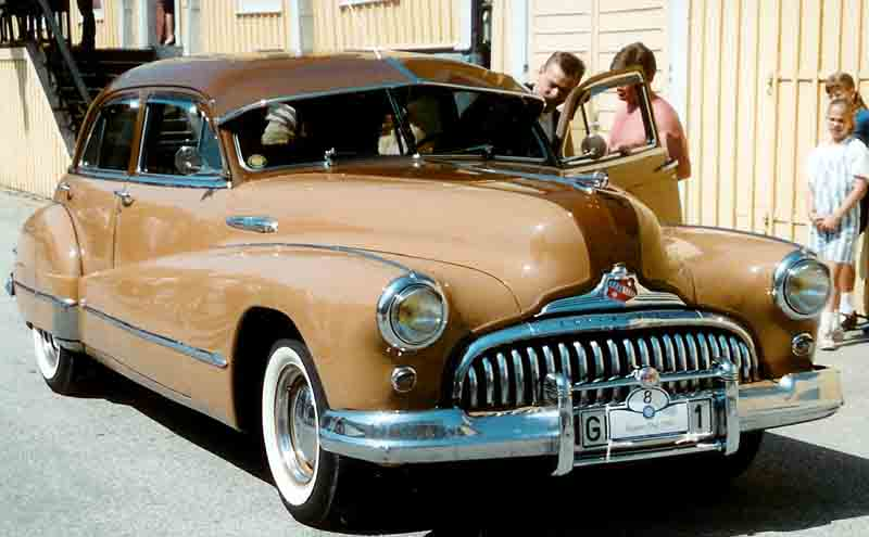 buick_super_eight_serie_51_4-dorrars_sedan_1948