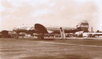 pan_am_l-049_constellation_at_london