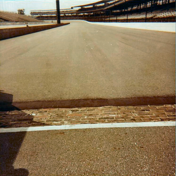 starting-line-at-the-indianapolis-motor-speedway-1985
