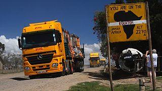 A DHL sárga kamionja átlépi az Egyenlítőt