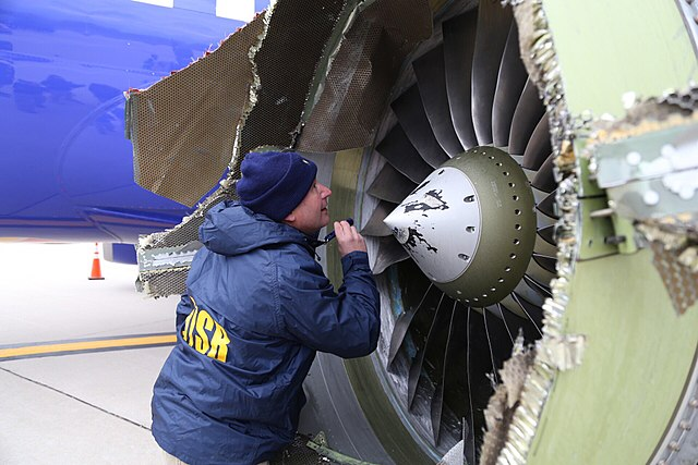 640px-southwest_airlines_flight_1380_ntsb_engine_inspection_phl_kphl