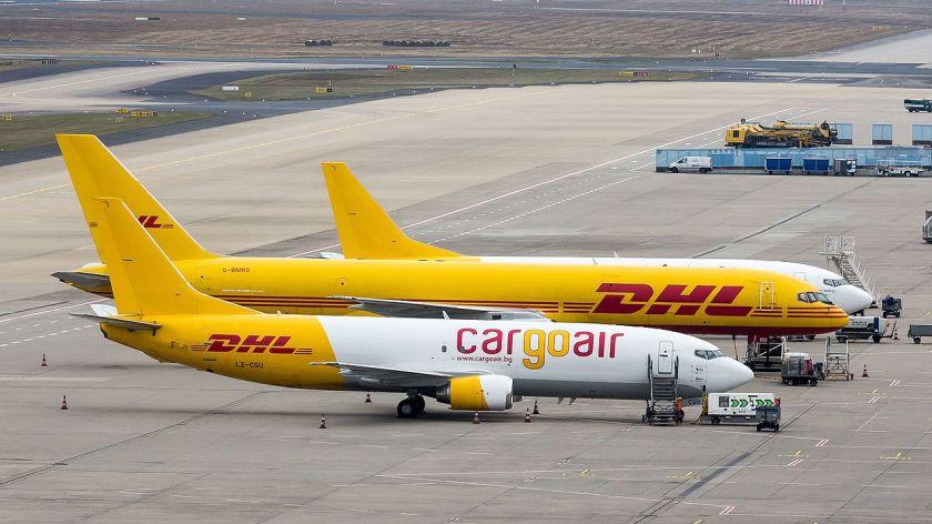 1280px-cargoair_-_boeing_737-400_-_lz-cgu_-_cologne_bonn_aiport-7473