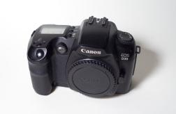 Régi Canon digitális tükörreflexes fényképezőgép objektív nélkül